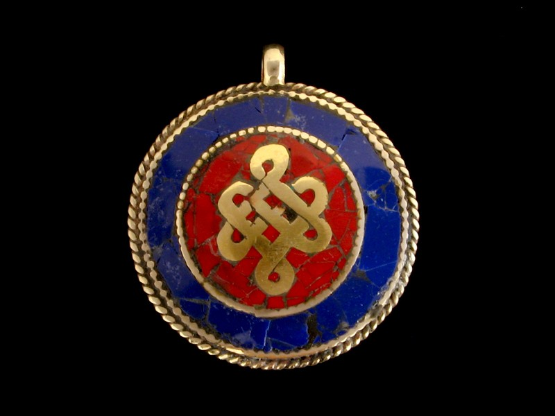 https://www.savdana.com/6543-thickbox_default/p62-pendentif-tibetain-om-noeud-sans-fin-.jpg