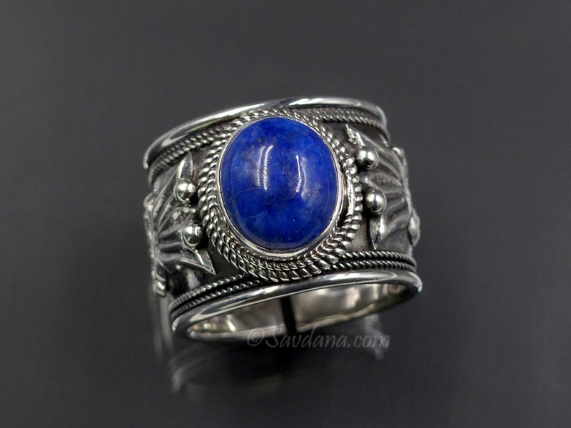 https://www.savdana.com/9515-thickbox_default/ba320-bague-tibetaine-argent-massif-pierre-lapis-lazuli-.jpg