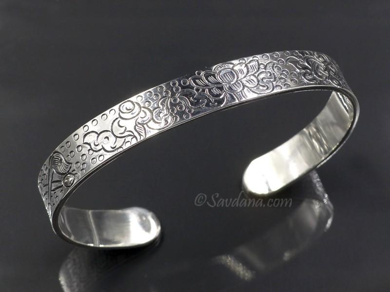 https://www.savdana.com/9569-thickbox_default/bra82-bracelet-tibetain-argent-massif-astamangala.jpg