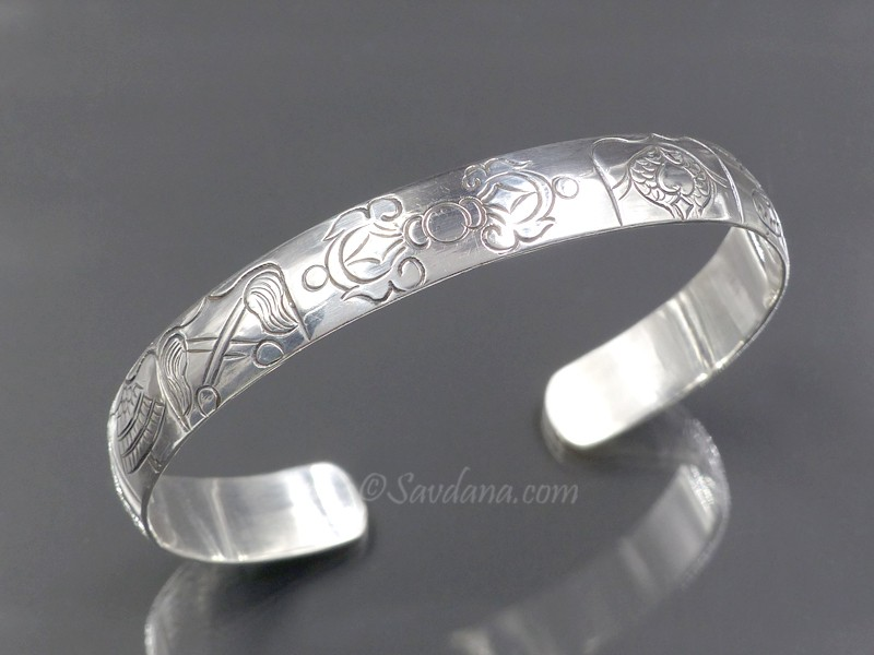 https://www.savdana.com/9583-thickbox_default/bra96-bracelet-tibetain-argent-massif-astamangala-dorje.jpg