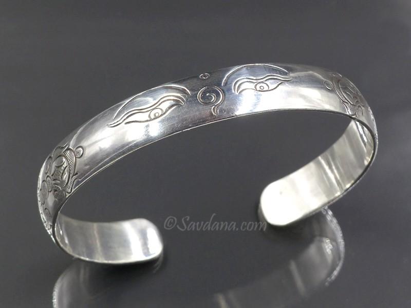 https://www.savdana.com/9588-thickbox_default/bra97-bracelet-tibetain-argent-massif-yeux-de-bouddha-dorje.jpg