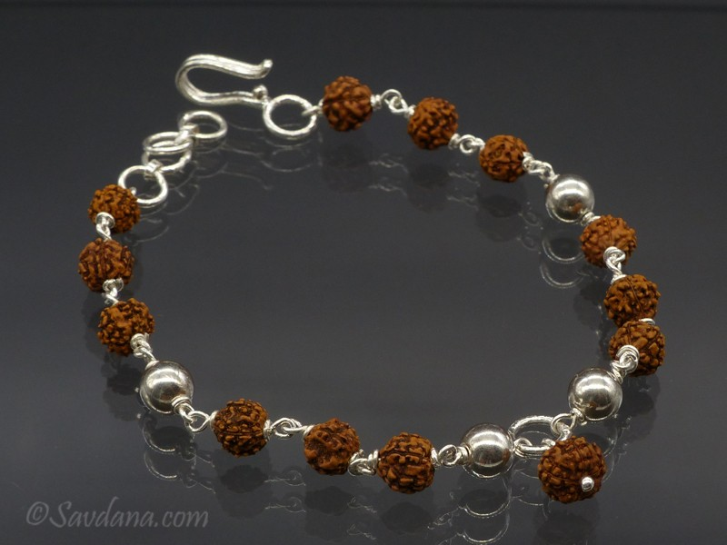 https://www.savdana.com/9691-thickbox_default/bra45-bracelet-tibetain-argent-massif-perle-de-rudraksha.jpg
